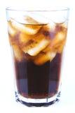 古巴Libre酒精饮料,与冰非酒精饮料的焦炭 免版税库存图片