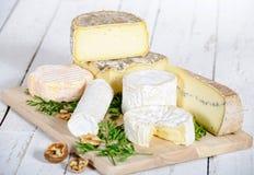 另外乳酪用核桃 免版税库存图片