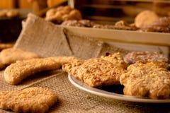 另外口味甜嘎吱咬嚼的曲奇饼  图库摄影