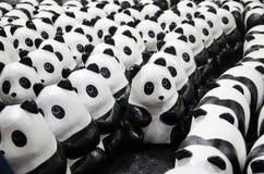 1600只熊猫世界游览在WWF的泰国在曼谷火车站( 华Lamphong station) 免版税库存照片