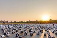 1600只纸Mache熊猫竞选陈列室在曼谷 免版税库存照片