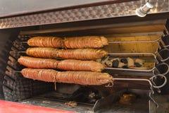 叫作kokorec的烤羊羔肚腑在土耳其和在希腊 免版税库存图片