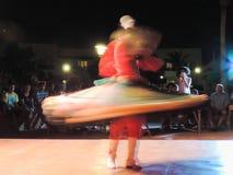 叫作Tanoura展示的传统埃及舞蹈 库存照片