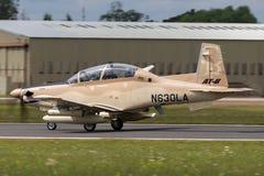 叫卖小贩Beechcraft AT-6B德克萨斯人II N630LA 免版税图库摄影