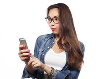 叫电话纵向妇女年轻人 免版税库存照片