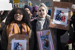 召集反对唐纳德・川普` s回教禁令在多伦多 免版税库存照片