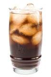 可乐冷泡沫腾涌的冰 免版税库存照片