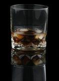 可乐晃动威士忌酒 库存照片