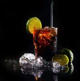 可乐饮料新鲜的绿色石灰 库存照片