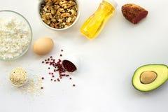 可以吃与能转化为酮的饮食的产品 低碳,高好油脂 健康和减重的概念keto饮食 顶视图 免版税库存图片