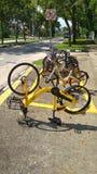 可分享的自行车停车处 免版税库存图片