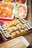 可口五颜六色的寿司卷 库存照片