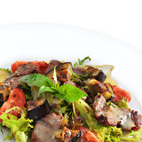 可口健康温暖的沙拉用牛肉 免版税库存照片