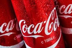 可口可乐是被卖的一个碳酸化合的无酒精饮料 库存图片