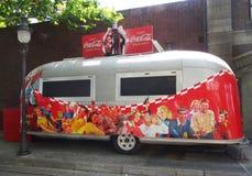 可口可乐有蓬卡车,华纳公园,马德里 免版税库存照片