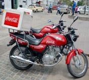 可口可乐delevery摩托车 库存图片
