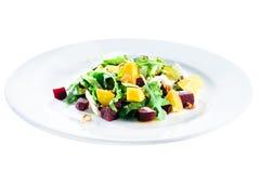 可口和开胃沙拉用甜菜根和果子芒果 库存照片