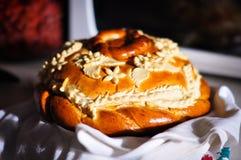 可口和开胃被烘烤的花梢面包 库存图片