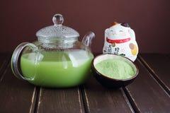 可口和新鲜的日本茶matcha 免版税图库摄影
