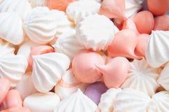 可口多彩多姿的蛋白甜饼 库存图片