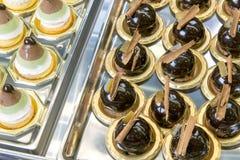 可口巧克力酥皮点心显示  免版税库存图片
