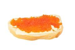 可口开胃三明治用在白色的红色鱼子酱 免版税库存照片