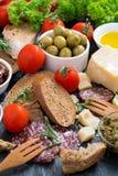 可口开胃小菜的分类,垂直 免版税库存图片