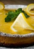 可口开胃柠檬蛋糕特写镜头 图库摄影