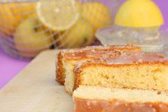 可口柠檬重糖重油蛋糕 免版税库存图片