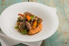 可口现代肉炖煮的食物用南瓜 免版税库存图片
