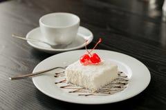 可口白蛋糕宏观射击点心的 免版税库存照片