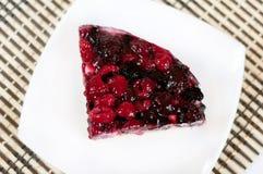 可口自创蛋糕用新鲜的浆果 库存图片