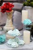 红色和蓝色婚礼桌集合 免版税库存图片