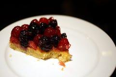可口蛋糕在餐馆 免版税库存照片