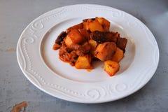 可口被烘烤的土豆用肉和烟肉 库存照片