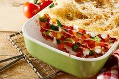 可口食家新鲜蔬菜烤宽面条 免版税库存图片