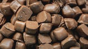 可口黑暗的巧克力求堆的立方 免版税库存图片