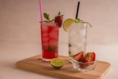 可口,刷新的mahito,草莓 免版税库存图片