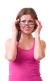 可怕女孩顶头头疼藏品的痛苦 免版税库存照片
