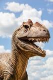 可怕恐龙顶头嘴食肉动物的掠食性的锋利的牙齿 免版税库存照片