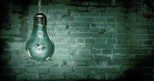 可怕电灯泡背景 免版税图库摄影