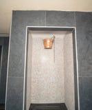 可怕的阵雨在Kranevo旅馆复合体的温泉中心在保加利亚 免版税库存图片