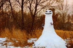 可怕的雪人妖怪万圣夜 免版税库存照片