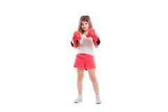 年轻可爱和逗人喜爱的拳击手女孩 免版税库存图片