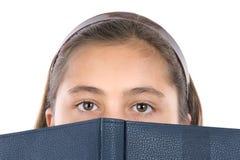 可爱的书女孩 免版税库存照片