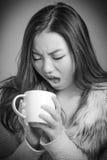 可爱的亚裔女孩她的二十被隔绝  免版税库存图片