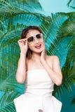 年轻可爱的亚裔妇女五颜六色的画象性感的礼服的 库存照片