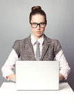 可爱的办公室工作者 免版税库存图片