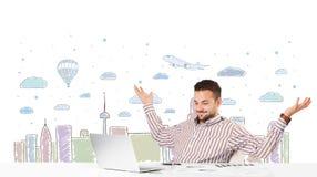 可爱的商人有城市天空scape背景 库存图片