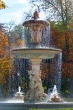 可爱的喷泉在马德里的主要公园城市 库存照片